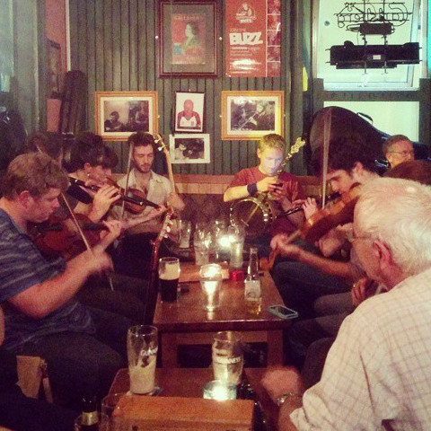 Trad session at Devitts Pub Dublin