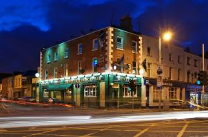 Devitts Pub Dublin - evening